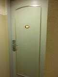 ホテル客室のドアー(カードキーです)