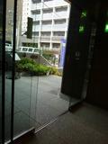 ホテル玄関の自動ドア