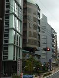 「清水坂下」交差点とホテル