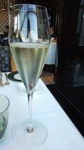 超美味な シャンパン(ピャチェーレ)