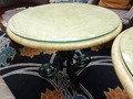 ロビーラウンジの大理石のテーブル