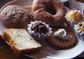 パンの種類が豊富な朝食ビュッフェ。