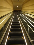 レセプションからのエレベーター