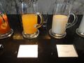 乳酸菌飲料とマンゴージュース