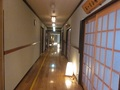 本館からコテージまでの廊下