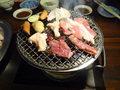 炭火で食べる焼肉は美味しいです。