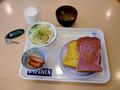 朝食は無料サービスということになっています。