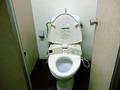 ビーチ更衣室のトイレ