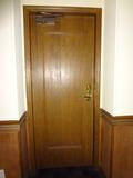 ツインルームの部屋の扉