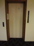 イーストウィングのエレベーター