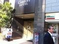 コンビニ隣のビジネスホテル