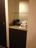 湯沸かしポットとお茶、コーヒー