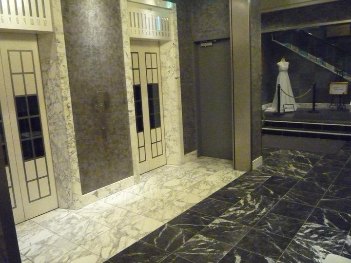 エレベーターホール(1階)