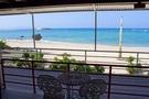 ビーチに建つプチホテル