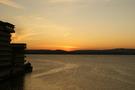 部屋から見える日本海の夕焼け