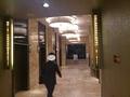 エレベーターホールへ