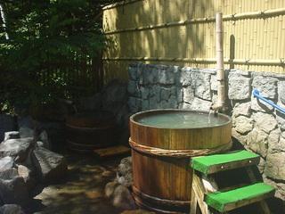 上高地温泉ホテルの露天風呂(樽湯)