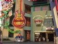 ホテル京阪ユニバーサル・タワーの近くにあるハードロックカフェ