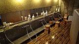 嵯峨沢館の大浴場の流し場
