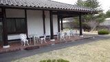嬬恋プリンスホテルの入口横の休憩所