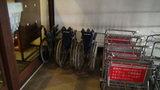 嬬恋プリンスホテルの車椅子と台車