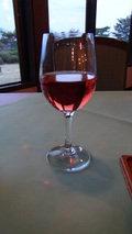 嬬恋プリンスホテルのレストランでの夕食(グラスワイン ロゼ)