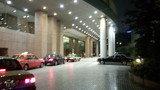 東京ドームホテルの正面車寄せ
