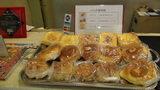 ホテルマイラの朝食のパン(無料)