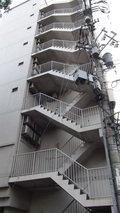 ホテルマイラの非常階段