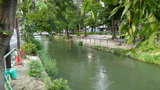 ホテルマイラの横を流れる西川の風景