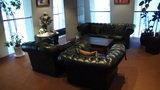 清里高原ホテルのロビーのソファ