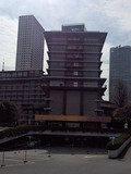 ホテルオークラ東京本館の地下駐車場入口