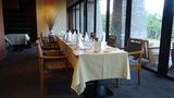 清里高原ホテルのレストランの団体客コーナーセッティング