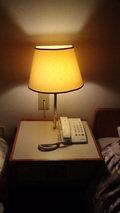 大金温泉グランドホテルの部屋の電話と室内灯