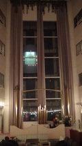 大金温泉グランドホテルのセンターホールの吹き抜けのエレベーター