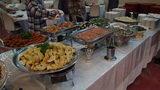 大金温泉グランドホテルの夕食のゆでソーセージと揚げ餃子