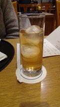 ホテルマウント富士の球形の氷が入ったグレープジュース
