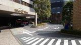 ヒルトン東京の地上入口ロータリー