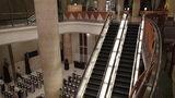 グランドプリンスホテル京都の吹き抜けエスカレーター