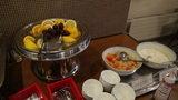 はぼろ温泉サンセットプラザの朝食のフルーツ、フルーツポンチ、ヨーグルト