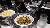 軽井沢プリンスホテルウエストのブュッフェのグラタンと野菜料理