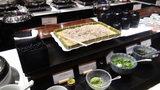 軽井沢プリンスホテルウエストのブュッフェのお蕎麦と薬味