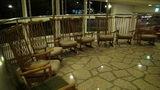 軽井沢プリンスホテルウエストの暖炉があるロビーの椅子