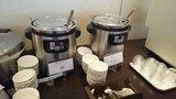 中華料理「芙蓉城」のビュッフェの豆腐となめこのスープ、コーンスープ