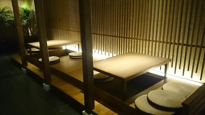 東京銀座BAYHOTELの入口の休憩処