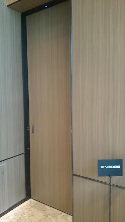 ミレニアム三井ガーデンホテル東京のロビーのトイレ
