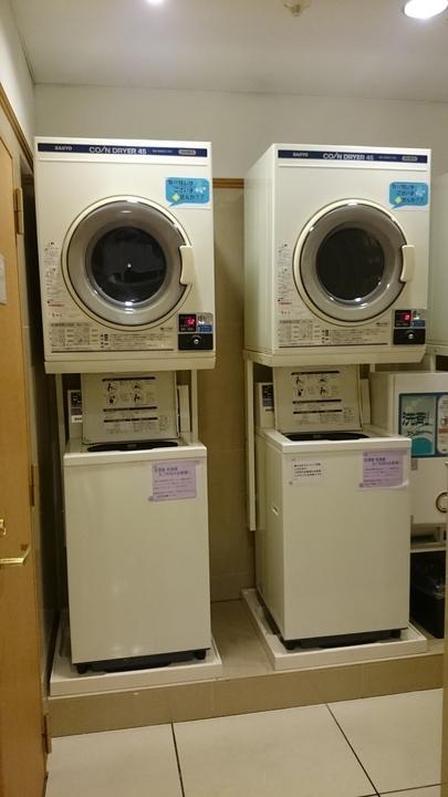 東横イン高崎駅西口1の1Fロビーの洗濯機・乾燥機