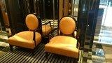 アパホテル新橋虎ノ門ロビーの椅子