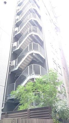 アパホテル新橋虎ノ門の非常階段