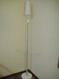 背の高いランプ